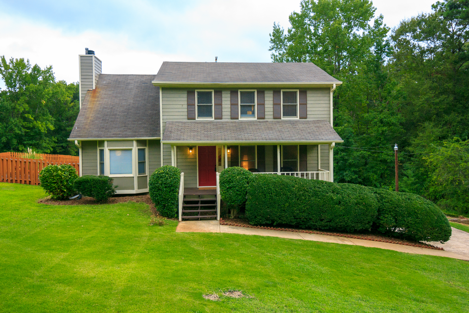 Michael Road Beautiful 2 Story Furnished Home With