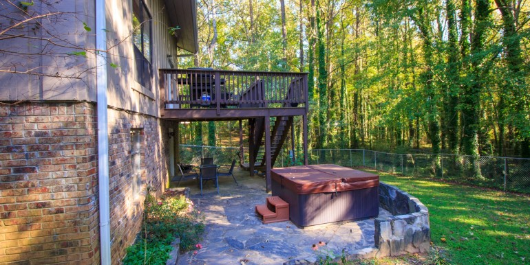 Fenced-in Backyard with Hot Tub, Patio and Balcony