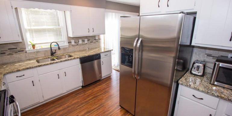 Full Kitchen (2)