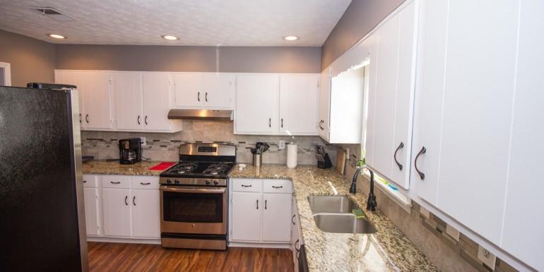 Full Kitchen (3)