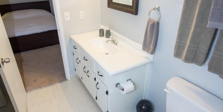 Jack & Jill Full Bathroom - Upper Level