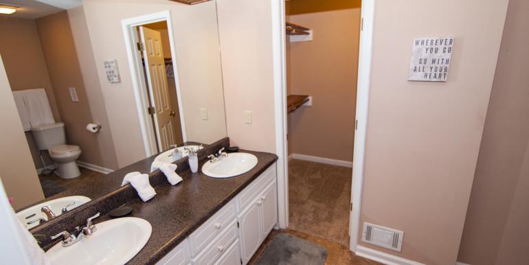 Master Full Bathroom (2)