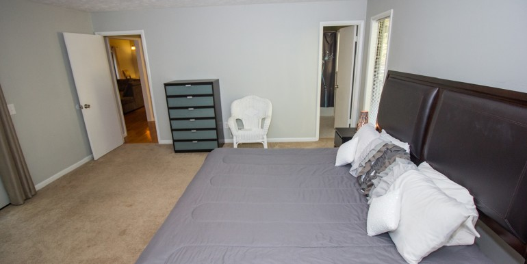 Master King Bedroom with Office Space and small Balcony - Main Level 002