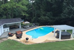 Highland Hills – Beautiful Large Furnished Estate on 16 Acres with Pool, Jacuzzi & More!