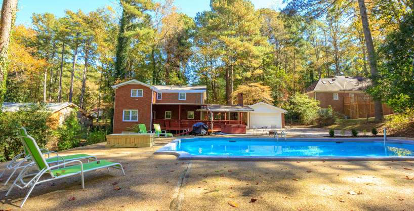 Prince George – 6 Bedroom Fully Furnished Home – 10 Minutes To The Airport & 20 Minutes To Downtown ATL With Pool & Jacuzzi!