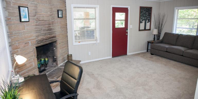 2606-wood-hill-ln-furnished-024